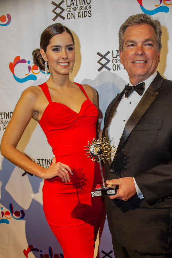 Miss Universe 2014 Paulina Vega and Chuck Imhof, Delta Air Lines, Cielo Award Recipient